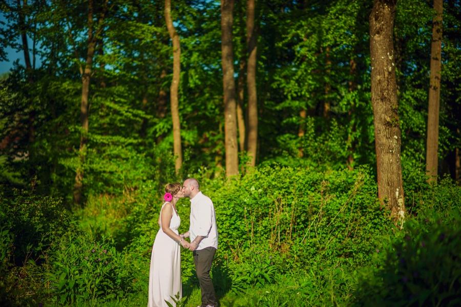 Chichester Wedding Photographer Tipi Festival Wedding - James & Tarn - Photography By Vicki_0009