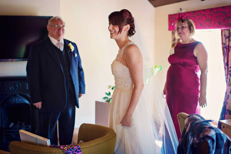Bedfordshire-Wedding-Photographer-The-Barns-Hotel-Barry-andMandy-Photography-by-Vicki_0016