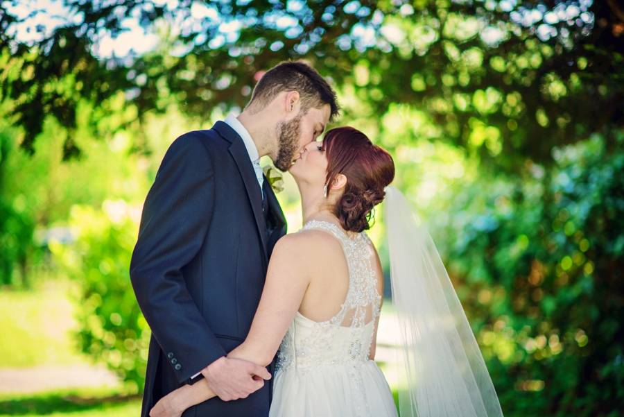 Bedfordshire-Wedding-Photographer-The-Barns-Hotel-Barry-andMandy-Photography-by-Vicki_0045