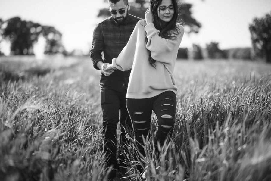Alternative-Wedding-Photographer-Engagement-Session-Rob-and-Sinead-Photography-by-Vicki_0017