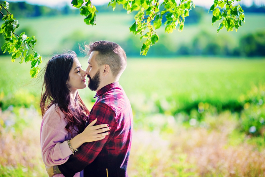 Alternative-Wedding-Photographer-Engagement-Session-Rob-and-Sinead-Photography-by-Vicki_0018