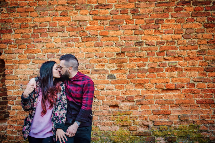 Alternative-Wedding-Photographer-Engagement-Session-Rob-and-Sinead-Photography-by-Vicki_0032