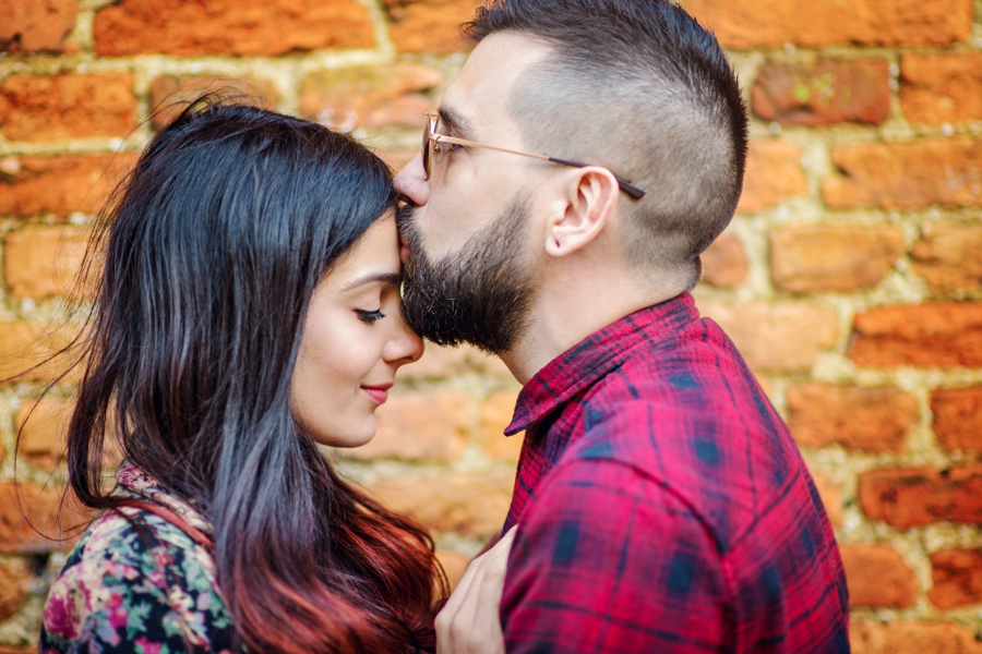 Alternative-Wedding-Photographer-Engagement-Session-Rob-and-Sinead-Photography-by-Vicki_0034
