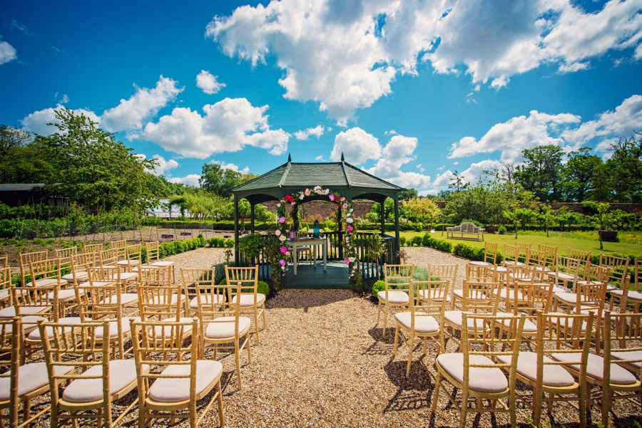 Secret-Garden-Wedding-Photographer-Adam-and-Corinna-Photography-by-Vicki_0003