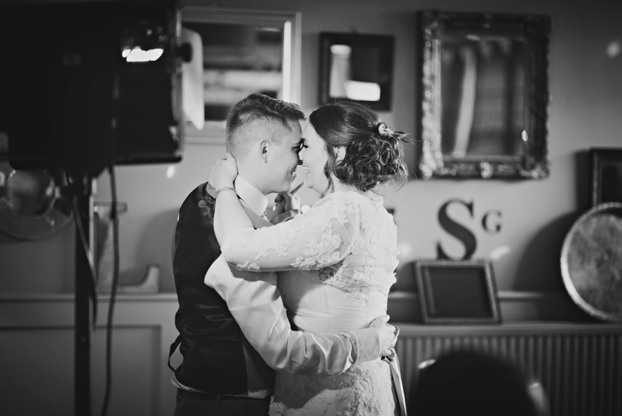 Secret-Garden-Wedding-Photographer-Adam-and-Corinna-Photography-by-Vicki_0097