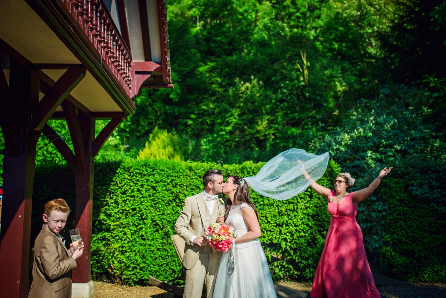 Cliveden-House-Wedding-Photographer-Simon-and-Laura-Photography-by-Vicki_0048