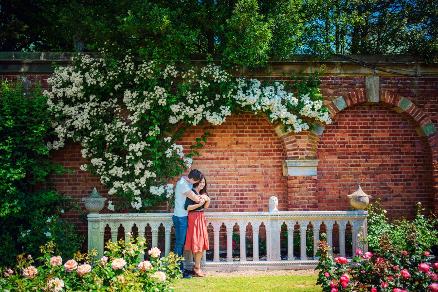 Hever-Castle-Wedding-Photographer-Engagement-Session-Max-and-Leila-Photography-by-Vicki_0028