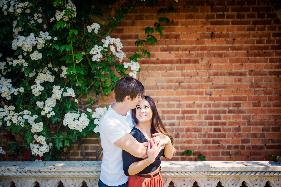 Hever-Castle-Wedding-Photographer-Engagement-Session-Max-and-Leila-Photography-by-Vicki_0029