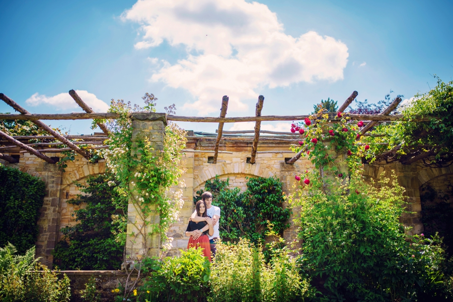 Hever-Castle-Wedding-Photographer-Engagement-Session-Max-and-Leila-Photography-by-Vicki_0032