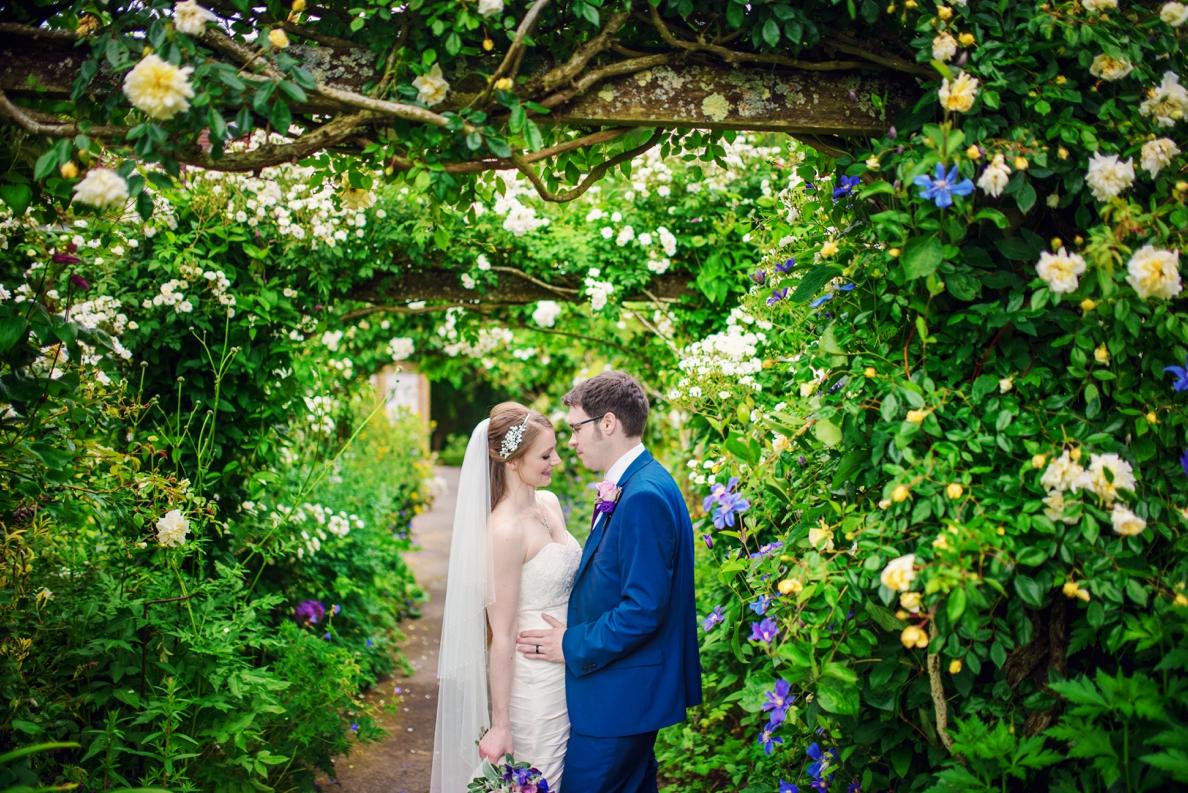 Bartholomew Barns Wedding Photographer Owen and Hannah Photography by Vicki_0048