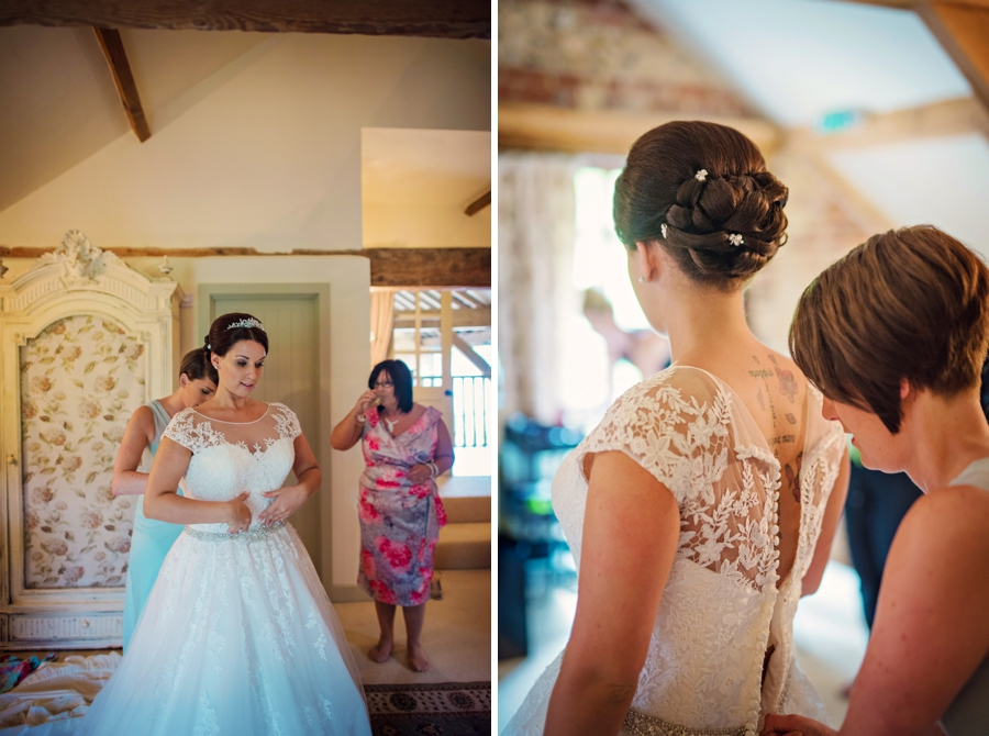 Upwaltham Barns Wedding Photography Harry and Philippa Photography by Vicki_0024