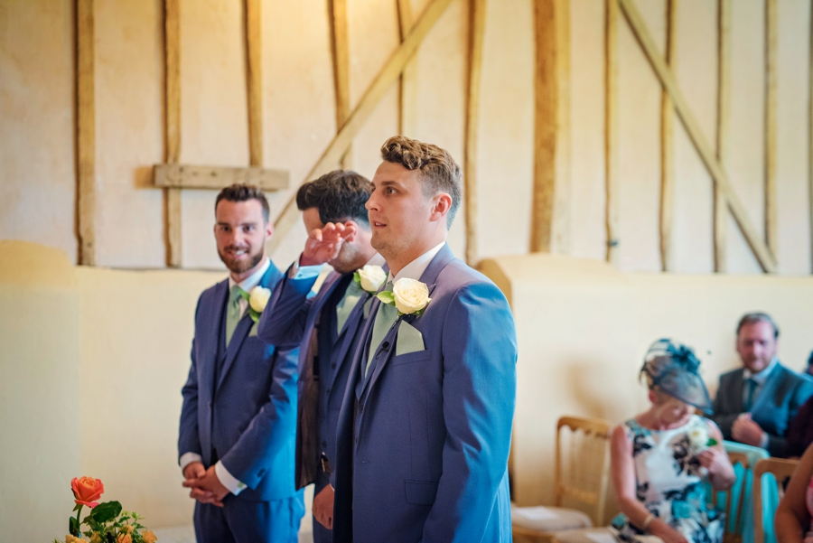 Upwaltham Barns Wedding Photography Harry and Philippa Photography by Vicki_0036