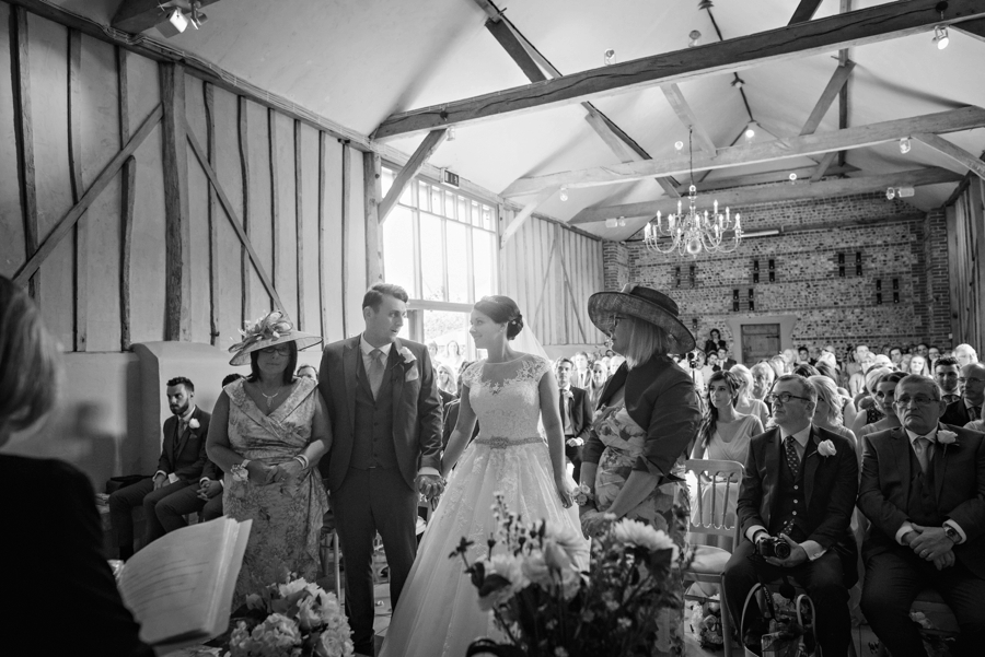 Upwaltham Barns Wedding Photography Harry and Philippa Photography by Vicki_0041