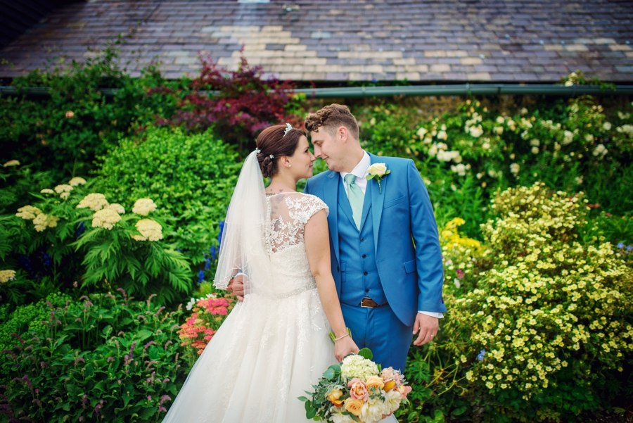 Upwaltham Barns Wedding Photography Harry and Philippa Photography by Vicki_0066