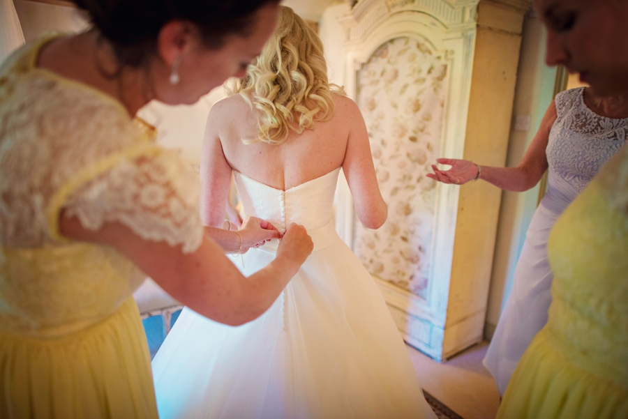 Upwaltham Barns Wedding Photography - Phil & Netty - Photography by Vicki_0027