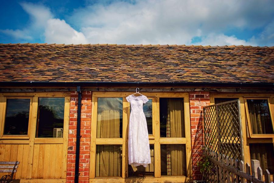 Moreton Hall Farm Wedding Photographer - Tom & Leona - Photography by Vicki_0002