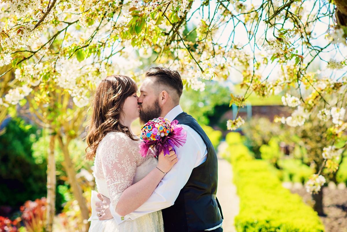 Glass House Secret Garden Wedding Photographer - Kent Wedding Photographer - Photography by Vicki_0016