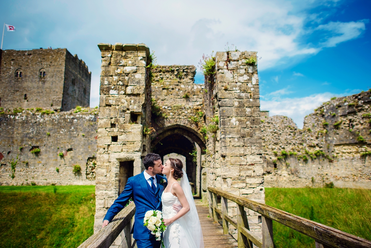Portchester Castle Wedding Photographer - Photography by Vicki